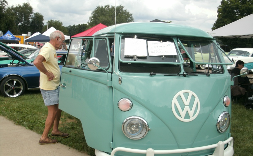 Loved this Cute Club Cab VW Truck – Perfect for a RoadTrip